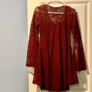 Maroon dress, size S. Worn once.